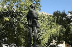 Estatua de don Juan Tenorio en plaza de Refinadores